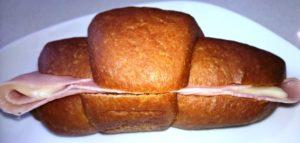 Cruasan CiaoCarb fase 1 relleno de jamón y queso
