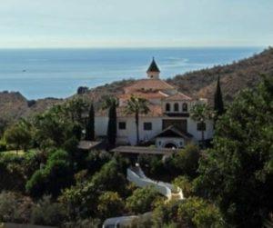 Vista completa del hotel Molino de Santillan